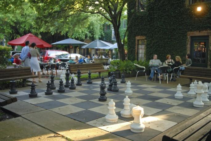 black-labrador-pub-chess-board-e1445546351910